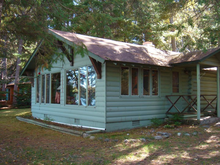 The challenge of keeping old cabin charm when remodeling for Log cabin additions ideas
